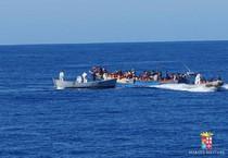 Mare Nostrum: numerosi soccorsi da navi Marina Militare (ANSA)