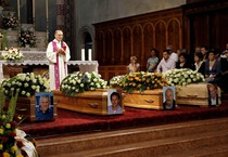 Funerali Refrontolo (ANSA)