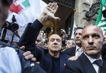 Berlusconi al suo arrivo ieri a Palazzo Grazioli (ANSA)