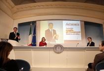 Matteo Renzi, il ministro dell'Istruzione Stefania Giannini, e il Sottosegretario Graziano Delrio (ANSA)