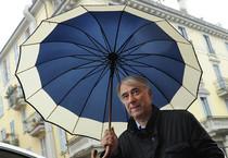 Giuliano Pisapia con la fascia tricolore (ANSA)