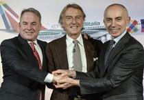 James Hogan (s), Luca Cordero di Montezemolo (c) e l'amministratore delegato della Nuova Alitalia Silvano Cassano (ANSA)