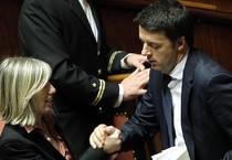 Il ministro dell'Istruzione Stefania Giannini e il Presidente del Consiglio Matteo Renzi in Senato (archivio) (ANSA)