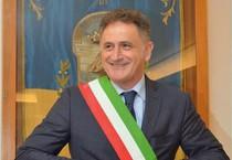 Giuseppe 'Giosi' Ferrandino, sindaco di Ischia, in una foto tratta dal suo profilo Facebook (ANSA)