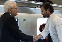 Mattarella e lo chef Cracco sul nuovo Frecciarossa (ANSA)