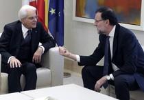 Il primo ministro spagnolo Mariano Rajoy e il presidente Mattarella (ANSA)