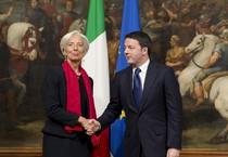 Il direttore del Fondo Monetario Internazionale, Christine Lagarde, a Palazzo Chigi per l'incontro con il Presidente del Consiglio, Matteo Renzi, Roma il 10 dicembre 2014. ANSA/PALAZZO CHIGI/TIBERIO BARCHIELLI - FILIPPO ATTILI (ANSA)