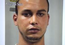 Touil Abdelmajid, il giovane marocchino arrestato a Gaggiano, nel Milanese, dalla Digos della  Polizia e dal Ros dei Carabinieri (ANSA)