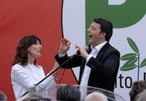 Matteo Renzi e Raffaella Paita (ANSA)