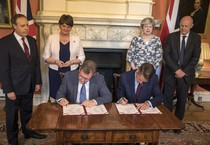 Gb: siglato accordo di governo fra May e Dup (ANSA)