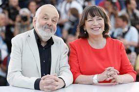 Mike Leigh e Marion Bailey (ANSA)