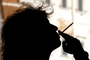 Dal fumo più a rischi in agguato per le donne (ANSA)