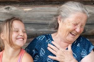 Occhi di nonna e naso di papà, i tratti del volto dipendono dai geni (ANSA)