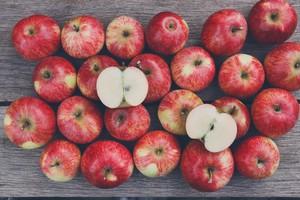 Una immagine delle mele, fra i frutti piu' salutari (ANSA)