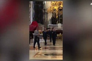 Vaticano: da' in escandescenze, uomo fermato in San Pietro (ANSA)