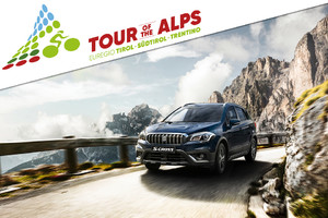 Otto Suzuki S-Cross in corsa al Tour of the Alps (ANSA)
