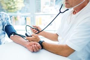 A volte le pillole per la pressione non servono, quando si ha una certa età (ANSA)