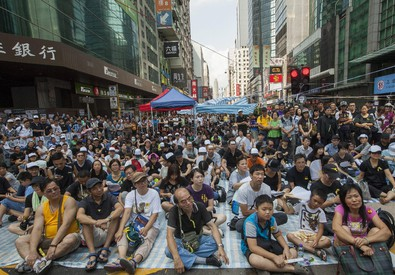 Hong Kong pro-Democracy activists occupy the streets of the city (ANSA)