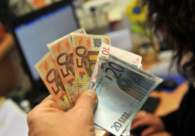 Crisi ha ridotto massa salari di 1.280 mld (ANSA)