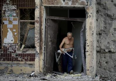 Kiev chiede ad abitanti di lasciare Donetsk (ANSA)