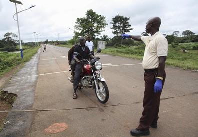 Africa, Ebola fa paura (ANSA)