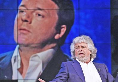 Beppe Grillo e sullo sfondo Matteo Renzi (ANSA)