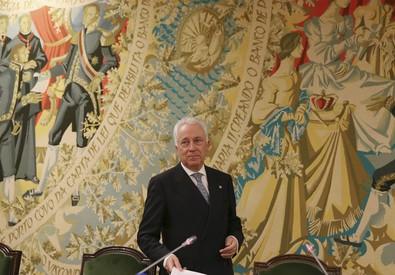 Il governatore della Banca di Portogallo, Carlos Costa (ANSA)