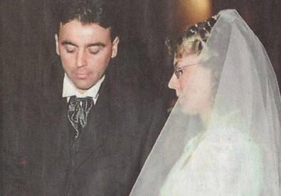 Michele Buoninconti e Elena Ceste nel giorno del loro matrimonio in una foto tratta dalla pagina Facebook (ANSA)