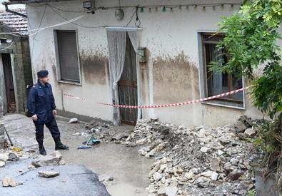 L'abitazione di una donna di 70 anni morta dopo essere stata travolta dall'acqua entrata nella propria abitazione a Pago Veiano (Benevento) (ANSA)