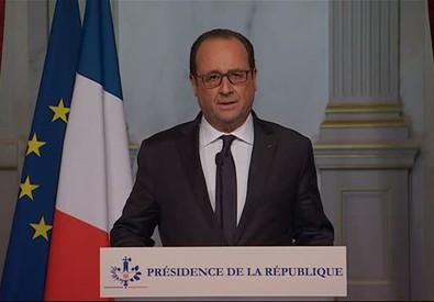 Hollande: sono attacchi terroristici (ANSA)