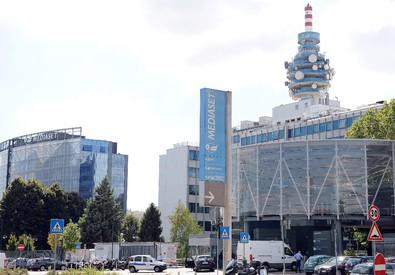 Mediaset vuole comprare Rai Way: Ei Towers lancia opa (ANSA)