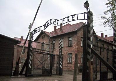 Shoah, 70 anni fa l'apertura dei cancelli di Auschwitz (ANSA)