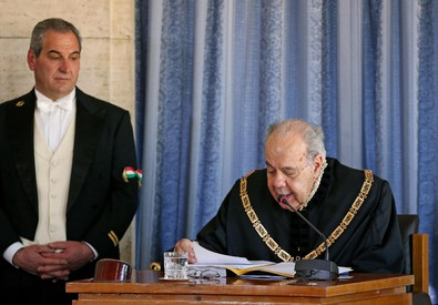 Il presidente Alessandro Criscuolo durante la relazione sull'attività della Cnsulta (ANSA)