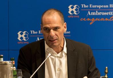 Il ministro delle Finanze greco, Yanis Varoufakis, durante i lavori del workshop Ambrosetti (ANSA)