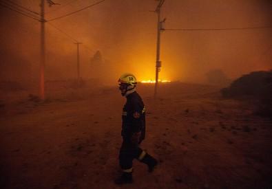 Cile: incendio a Valparaiso, è emergenza (ANSA)