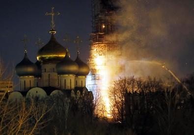 Russia, a fuoco monastero patrimonio Unesco (ANSA)