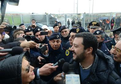 Matteo Salvini al Cara di Mineo (ANSA)