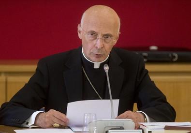 Il cardinale Bagnasco in una foto d'archivio (ANSA)