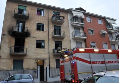 Fiamme in abitazione a Torino (ANSA)