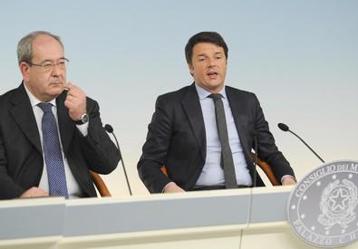 Giacomelli e Renzi illustrano la riforma a Palazzo Chigi (ANSA)