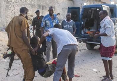 Assalto shabaab a Mogadiscio (ANSA)
