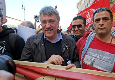 Maurizio Landini alla manifestazione della Fiom (ANSA)