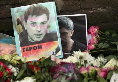 Fiori per Nemtsov (ANSA)