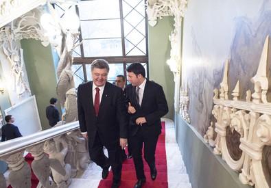 Matteo Renzi e Petro Poroshenko (ANSA)