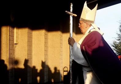 Papa: mafiosi sfruttano i poveri per fare lavoro sporco (ANSA)