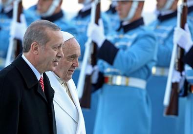 Armeni: Erdogan condanna parole Papa e lo 'avverte' (ANSA)