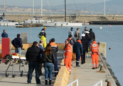 Two dead, two missing after Italian fishing boat capsizes (ANSA)