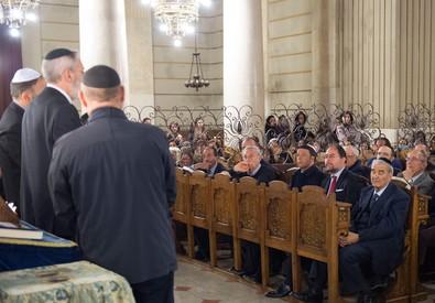Renzi in Sinagoga per rendere omaggio alla comunità ebraica (ANSA)
