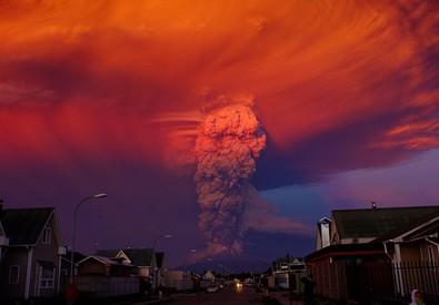 L'eruzione del vulcano Calbuco (ANSA)