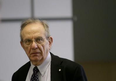 Ministro dell'Economia e Finanze Pier Carlo Padoan (ANSA)
